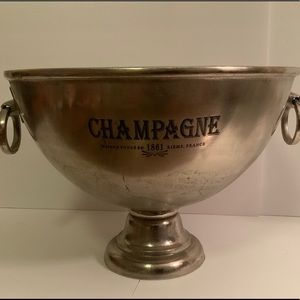 Other - Champagne extra large bucket 🍾🥂🍾🥂